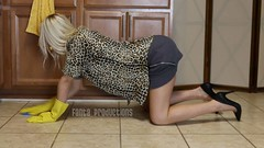 Kamilla Cleaning in Yellow Dish Gloves (Fanta_Productions) Tags: highheels cleaning gloves handsandknees shortskirts housecleaning yellowgloves dishgloves cleaninggloves