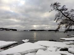 Peekaboo sunrise (KaarinaT) Tags: sea sunrise finland helsinki baltic matosaari