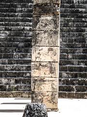 """Chichen Itza: le Temple des Guerriers et le Groupe des Milles Colonnes <a style=""""margin-left:10px; font-size:0.8em;"""" href=""""http://www.flickr.com/photos/127723101@N04/25330679813/"""" target=""""_blank"""">@flickr</a>"""
