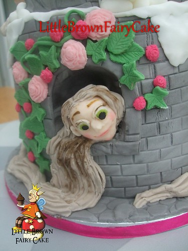 Close of of Tangled Cake