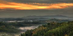 Toskana - 13101504 (Klaus Kehrls) Tags: italien panorama nebel natur himmel wolken landschaft toskana morgenrot morgennebel