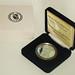 Moneda de plata emitida por el Banco Central de la República Argentina con motivo del centenario del nacimiento de Jorge Luis Borges