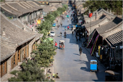 Old Town Pinyao . China (:: Blende 22 ::) Tags: china old city streets wall canon mall shift streetscene historic tilt altstadt oldtown pingyao sonnenstrahlen qingdynasty financialcentre streetlive eosd 50d historically 1585 canon50d canoneosd eosdeurope efs1585mmf3556isusm firstbankinchina