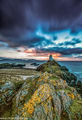 Sleeping Dragon (Taron Curtis) Tags: longexposure lighthouse dawn snowdonia anglesey northwales