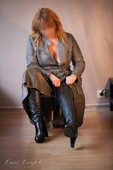 elle218 (Cuir Couple) Tags: leather bondage skirt bdsm master jacket jupe mistress veste leder matre pant pantalon cuero cuir hosen cravache maitresse martinet cuissardes