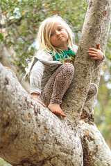 (2ToneEng) Tags: portrait girl outdoors treeclimbing