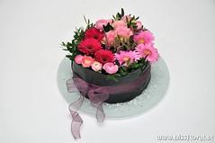 #Feestje ? Bloementaart ! (floralworkshops) Tags: schaal germini ranonkel
