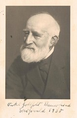 Onkel Gottholf (TrueVintage) Tags: portrait man senior beard 1930s bart oldman portrt oldphoto mann foundphoto 1930 vintagephoto vintageman vintageportrait