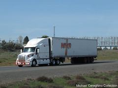 Navajo Express Peterbilt 579 with triaxle reefer (Michael Cereghino (Avsfan118)) Tags: 3 semi express trailer 579 navajo tri trucking reefer sleeper peterbilt axle struck triaxle