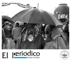 Llover o no llover? (santiblfotos) Tags: blancoynegro lluvia bn campo romero paraguas ciudadreal lamancha romera romera romeros tomelloso romeras tomellosero matrimoniopareja