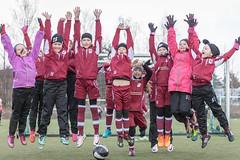 Enjoying football 21 (JP Korpi-Vartiainen) Tags: game girl sport finland football spring soccer hobby teenager april kuopio peli kevt jalkapallo tytt urheilu huhtikuu nuoret harjoitus pelata juniori nuori teini nuoriso pohjoissavo jalkapalloilija nappulajalkapalloilija younghararstus