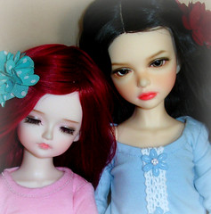 Lisbeth and Undine (Ayla160 >^..^<) Tags: kids ball kid doll lisa tiny isabel bjd mystic lisbeth jointed undine yosd iplehouse