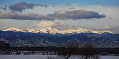 Snow Capped Mount Evans Catches The Light (dcstep) Tags: urban usa sun nature colorado snowcapped urbannature handheld allrightsreserved mountevans mtevans snowcap cherrycreekstatepark ef70200mmf4lis canon7dmkii dxoopticspro1054 copyright2016davidcstephens f4a3655dxosrgb