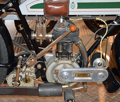 Triumph Tipo H - 02 (kinsarvik) Tags: h triumph museo musuem tipo bassella