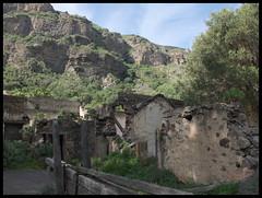 Inside Caldera de Bandama (szmateusz) Tags: islands gran fujifilm canaries canaria x30 wyspy kanaryjskie