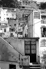 Laberintos y callejas (b.pacheco46) Tags: door bw white black blanco mxico buildings landscape negro paisaje bn taxco calles tiempo guerrero alarcn