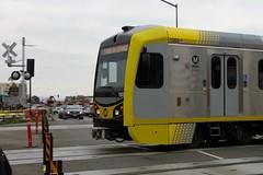 1005 entering Azusa Downtown Station (Oran Viriyincy) Tags: train lacmta lrv kinkisharyo