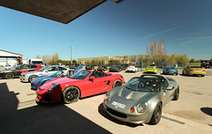 Sunny Lurcy (NaPCo74) Tags: 30 track lotus elise object spyder porsche bmw git 111 30th gti m3 levis boxster circuit th peugeot speedster trackday 208 vx220 nevers objectif lvis 981 vauxhaull moulins lurcy objectifcircuit