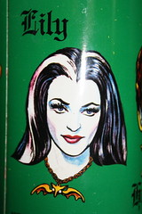 Munsters Thermos - Lily (1965) (Donald Deveau) Tags: tvshow thermos themunsters lilymunster