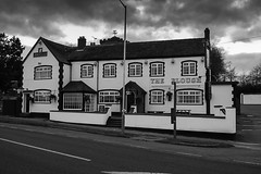Mancetter - The Plough (IAN GARDNER PHOTOGRAPHY) Tags: warwickshire eatinghouse ansells mancetter