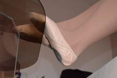 Na stole (015) (Merman cviky) Tags: ballet socks shoe tights socken gym pantyhose slipper nylon slippers spandex lycra medias nylons gymnastic zapatillas balletslippers strumpfhose strumpfhosen ballerinas collant collants cviky ballettschuhe schlppchen ballettschuh gymnastikschuhe turnschlppchen gymnasticshoes cvicky gymnasticslippers ballettschlppchen elastan pikoty punoche gymnastiktoffel