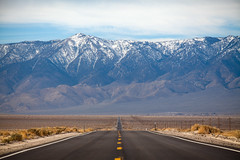 Owens Valley (Gary Rides Bikes) Tags: california road snow highway unitedstatesofamerica northamerica arid owensvalley thesierras roundmountain inyocounty aridclimate southsierrawilderness twolanehighway californiansierranevada californiastateroute190 stateroute190