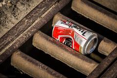 La Wallonie: Charleroi (photo79.de - Sebastian Petermann) Tags: beer trash tin junk belgique can rubbish bier mll bierdose gulli belgianbeer charleroi belgien gully jupiler dose wallonie belge gullideckel abwasser lawallonie