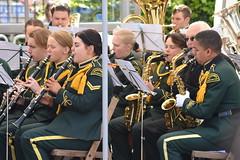 Puff And Blow (dhcomet) Tags: charity music london race uniform marathon band running saxaphone tuba runner clarinet romforddrumandtrumpetcorps