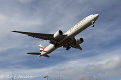 A6-EGW Boeing 777-300ER Emirates Glasgow airport EGPF 05.03-16 (rjonsen) Tags: airport glasgow wide emirates belly heavy overhead anlge underneat egpf