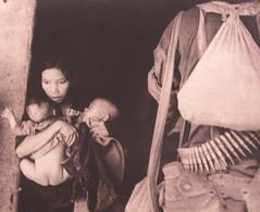 """Ho Chi Minh Ville: pas de pitié, ni pour les femmes, ni pour les enfants, ni pour les vieillards <a style=""""margin-left:10px; font-size:0.8em;"""" href=""""http://www.flickr.com/photos/127723101@N04/24039756513/"""" target=""""_blank"""">@flickr</a>"""