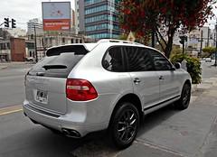 Terrible caon (VhCars1) Tags: argentina silver 4x4 4wd cayenne porsche suv porschecayenne olivos blackrims plateado