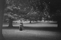 Lynn Chadwick - Cloaked Figure IX (Dell's Pics) Tags: park camera bw sculpture white black film open box yorkshire statues lynn every 400 figure expired distance figures coronet ix chadwick cloaked nph fujicolour