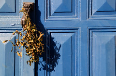 DSC_9799 (adrizufe) Tags: door blue azul puerta nikon ngc ea bizkaia bluedoor basquecountry aldaba nikonstunninggallery aplusphoto d7000 adrizufe adrianzubia