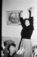 Feest met de juf (Arne Kuilman) Tags: feest blackandwhite sinterklaas children found zwartepiet class lostandfound agfa klas 1961 vroeger juf klaslokaal photonotmine agfalisopanff