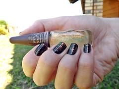Esmaltação das Corujas: Flocado! (Raíssa S. (:) Tags: preto nails impala nailpolish unhas corujas esmalte flocado cremos