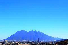 El Cerro de la Silla Azul (Gerardo Valadez) Tags: cerro silla monterrey