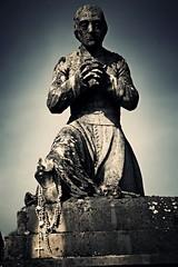 Graves (France) (Eyecatch-prod) Tags: bw wb priest cimetiere cimetery noirblanc priere pretre