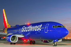Pushback at sunset (RaulCano82) Tags: longexposure sunset canon airplane aviation jet houston bluehour boeing 737 southwestairlines hou swa boeing737 70d htx khou southwestair raulcano swapic n8665d