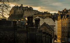 Edinburgh Caste (Matthias-Hillen) Tags: houses homes sunset castle castles rock scotland edinburgh sonnenuntergang row matthias manor palaces burg mauer schottland greyfriars felsen stately abendsonne hillen kirkyard candlemaker matthiashillen