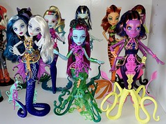 Great Scarrier Reef is complete  Clawdeen and Draculaura are back there you just can't really see them lolol (Venus_Forever) Tags: monster high doll dolls great reef mattel 2016 2015 scarrier