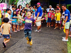 Child's play (edwin.canlapan) Tags: philippines bicol albay parlorgame bacacay feedingprogram