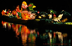 _MG_6308REWS Beside the Lake,  Jon Perry, 3-3-16 zas (Jon Perry - Enlightenshade) Tags: color colour night chinesenewyear lanterns coloredlights chiswick chineselanterns chiswickhouse colouredlights 3316 jonperry chiswickhouseandgrounds chiswickhousegrounds enlightenshade arranginglightcom magicallanternfestival 20160303