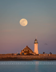 Full moon over Scituate Light (betty wiley) Tags: ocean b light sunset sea lighthouse beach architecture coast massachusetts newengland fullmoon coastal moonrise shore southshore scituate bettywileyphotography