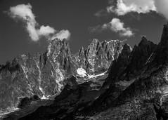 Soleil sur la Charpoua (Frdric Fossard) Tags: alpes lumire ombre glacier contraste nuage chamonix rocher cime hautesavoie granit crtes lesdrus luminosit massifdumontblanc artes lacharpoua versantcharpoua