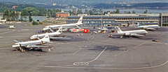 Oslo Airport Fornebu 1968 (Svein K. Bertheussen) Tags: fly airport aircraft aviation apron sas douglas metropolitan lufthavn fornebu flyplass caravelle convair sudaviation scandinavianairlinessystem dc862 cv440 se210 oppstillingsplass luftfart historicaircraft osloairportfornebu historiskefly