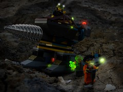 The Granite Grinder (Thule87) Tags: lego chief axel sparks minifigures rockraiders powercrystal granitegrinder brickonium hoverscout