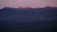 Castle Mountains and Hart Peak (Dru!) Tags: california ca sunset usa mountain desert valley hart alpenglow ivanpah mojavenationalpreserve nipton castlemountains hartpeak