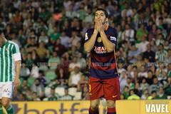 Betis - Barcelona 094 (VAVEL Espaa (www.vavel.com)) Tags: fotos bara rbb fcb betis 2016 fotogaleria vavel futbolclubbarcelona primeradivision realbetisbalompie ligabbva luissuarez betisvavel barcelonavavel fotosvavel juanignaciolechuga