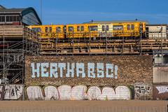 Park am Gleisdreieck, Berlin (Fliwatuet) Tags: park berlin yellow kreuzberg germany subway de deutschland graffiti panasonic gelb ubahn ostern gleisdreieck m43 herthabsc mft em5 20mm17 olympusomd