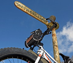 IMG_4276-1 (Photopedaler) Tags: bicycle signpost fingerpost fatbike cornishcycling